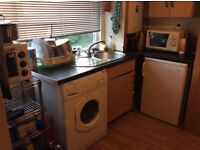 Colindale, Studio avail now. 2 mins walk to tube, buses and amenities. Inclusive of bills and wifi.