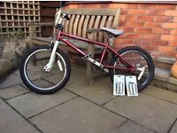 Mongoose Menace BMX