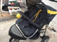 Good condition double buggy ! Lovely to push