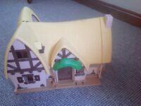 Seven dwarfs dolls house complete with the dwarfs etc