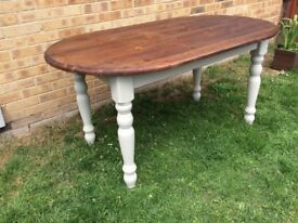 SOLID PINE OVAL FAMILY DINING TABLE