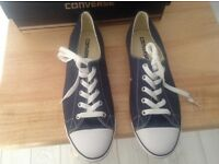 NEW NAVY CONVERSE (BOXED) SIZE 6