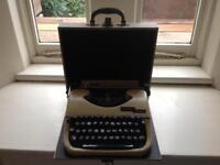 Vintage Oliver Courier Typewriter