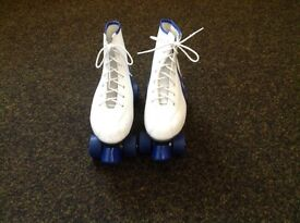 Ladies roller boots size 5