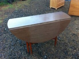 1960s melamine drop leaf dining table in great condition