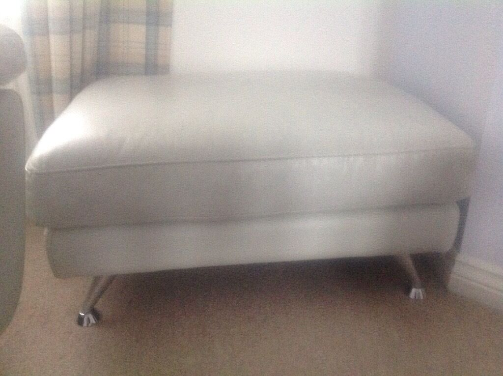 Artic White leather 2/3 seater, 1 seater plus footstoolin South Shields, Tyne and WearGumtree - Artic white leather 2/3 seater sofa with reclining head rest, single arm chair with reclining head rest and matching footstool. Sofas have been well looked after but as with colour being artic white there are scuffs and marks in places. COLLECTION...