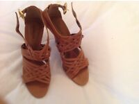 WOMEN'S SHOES SIZE 6