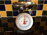 Vintage look Kitchen scales