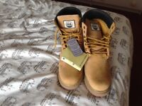 Men's hiking boots , size 11