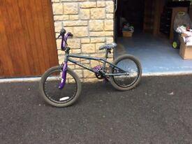 Boys diamondback stunt bike in very good condition rarely used.