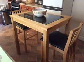 Kitchen table and 2x chairs