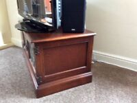 Old Charm TV cabinet with optional removable shelf.