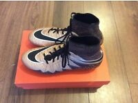 BNWT NIKE Hypervenom Phantom 2 SG Football Boots UK Size 9.5