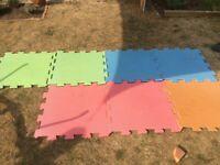 Foam play mat squares