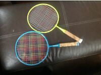 Pair of kids badminton rackets - green & blue