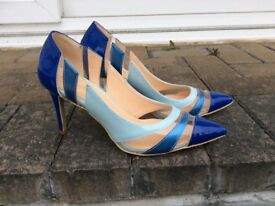 Lovely patent tri blue ladies shoes size 5.5.