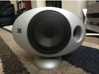 Panasonic surround sound system with 5 Keff speakers.
