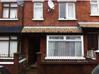 ROOM TO RENT N 3 BEDROOM HOUSE SHARE/ LISBURN RD , ONLY £210