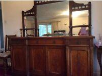 Antique lounge unit