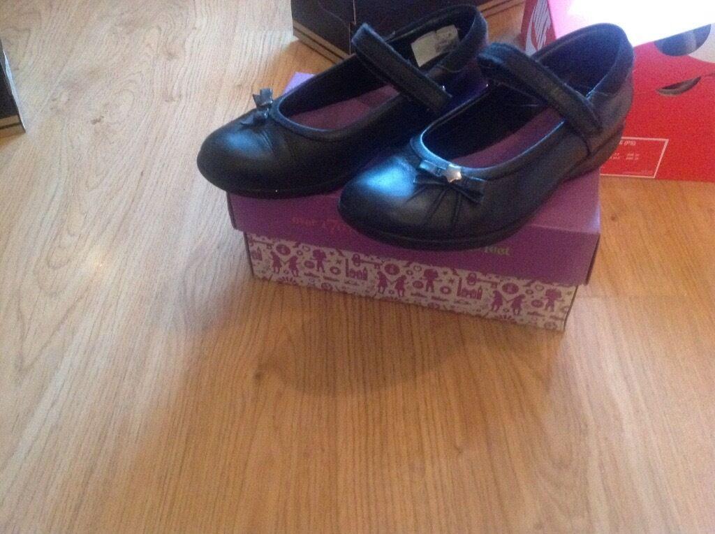 Clarks school shoe size 1e