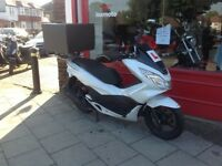 New shape Honda PCX 125 5565 miles 1 owner from new ready for work rides fantastic delivery possible