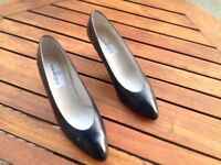 Claudia Ciuti (made in Italy) Ladies navy blue shoes size 9 1/2 M UK size 7 narrow