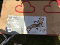 Wooden streamer chair