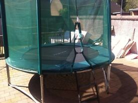10 ftTrampoline with enclosure
