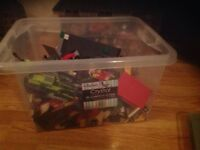 2.5 kg Box of various Lego pieces