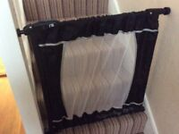 Portable mothercare safety gate. Clean and excellent condition. Hardly used. Black. Travel version .