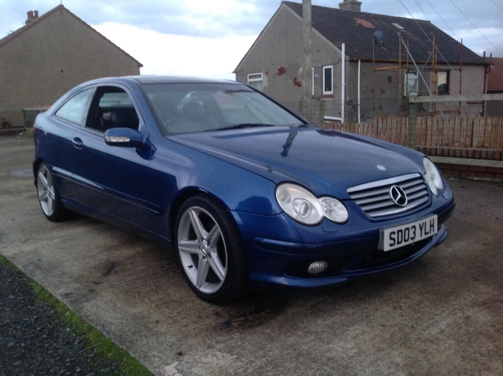 2003 mercedes c220 cdi sport coupe full leather panoramic roof in glasgow city centre. Black Bedroom Furniture Sets. Home Design Ideas