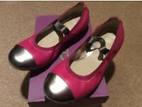 Clarks size 2G Beautiful girls pink and silver 'DanceBrite' shoes new and boxed