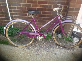 Vintage 1962 Small Ladies Elswick Traditional Town Bike
