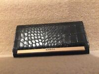 New without tags Guess crocodile style black purse
