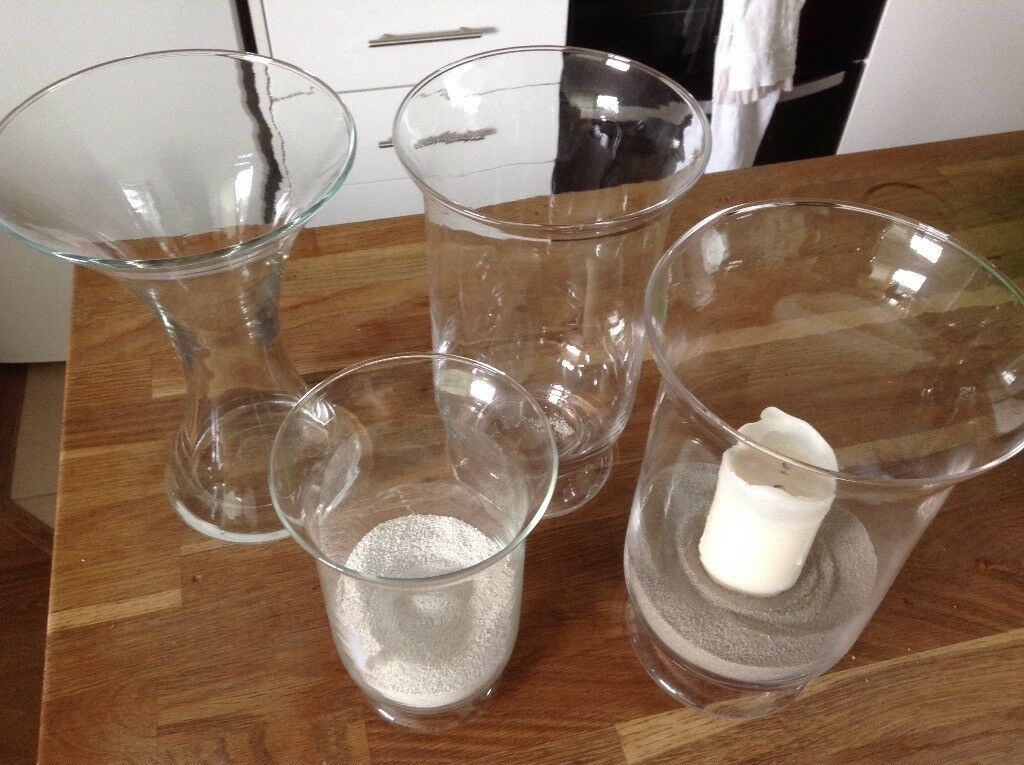 Selection of clear vases all in very good condition
