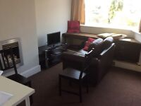Double room in lovely clean & quiet house in CV5