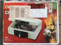 Sentry 1160 fire safe new boxed