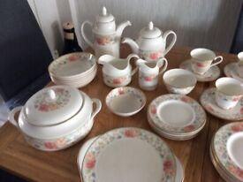 Royal doulton complete 6 setting dinner set 44pcs Claudia pattern