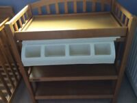 Mamas and Papas Gina dresser/changing unit with baby bath unit