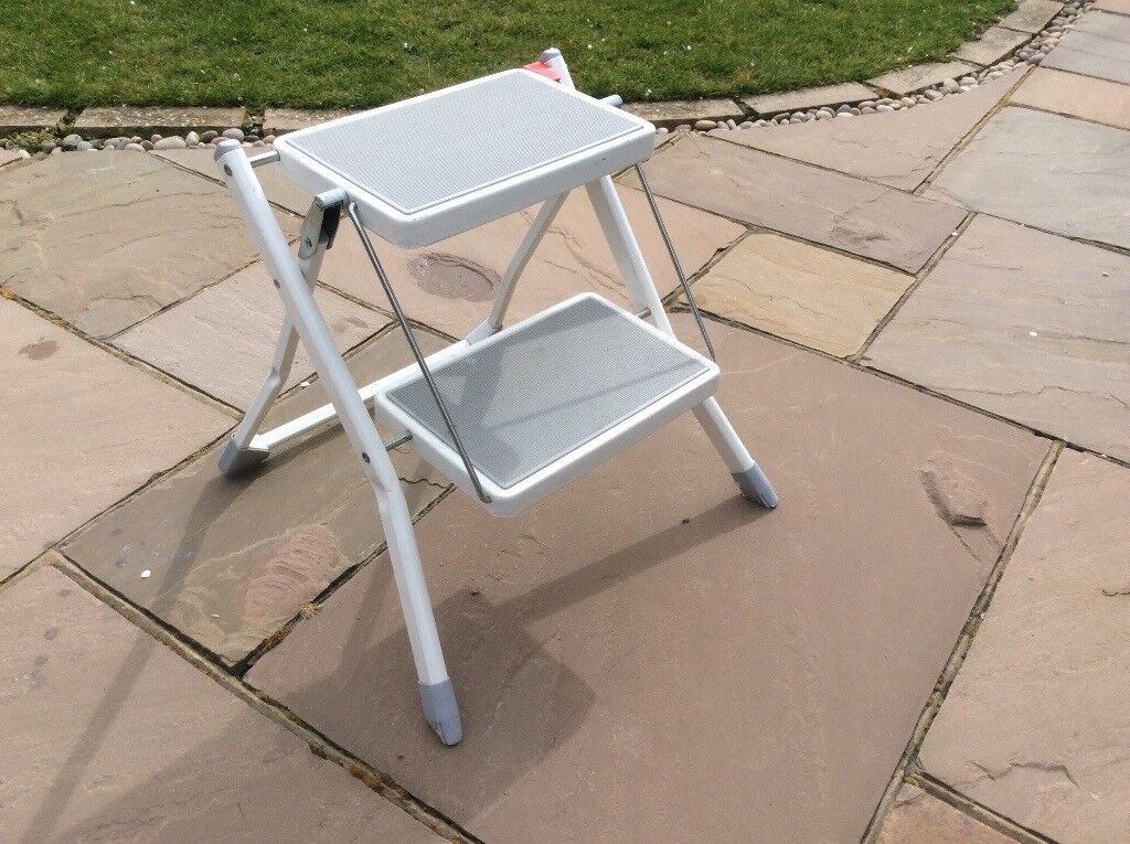 Groovy Folding 2 Step Ladder With Anti Slip In Very Good Condition In Chichester West Sussex Gumtree Cjindustries Chair Design For Home Cjindustriesco