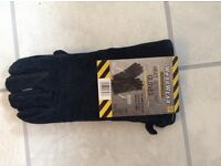 Heavy Duty Leather Heat resistant gloves - unused.