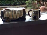 Toast rack, and mug