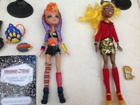 Clawdia Wolf and Howleen Wolf Monster High dolls