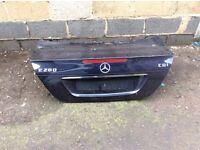 Mercedes E280 boot lid