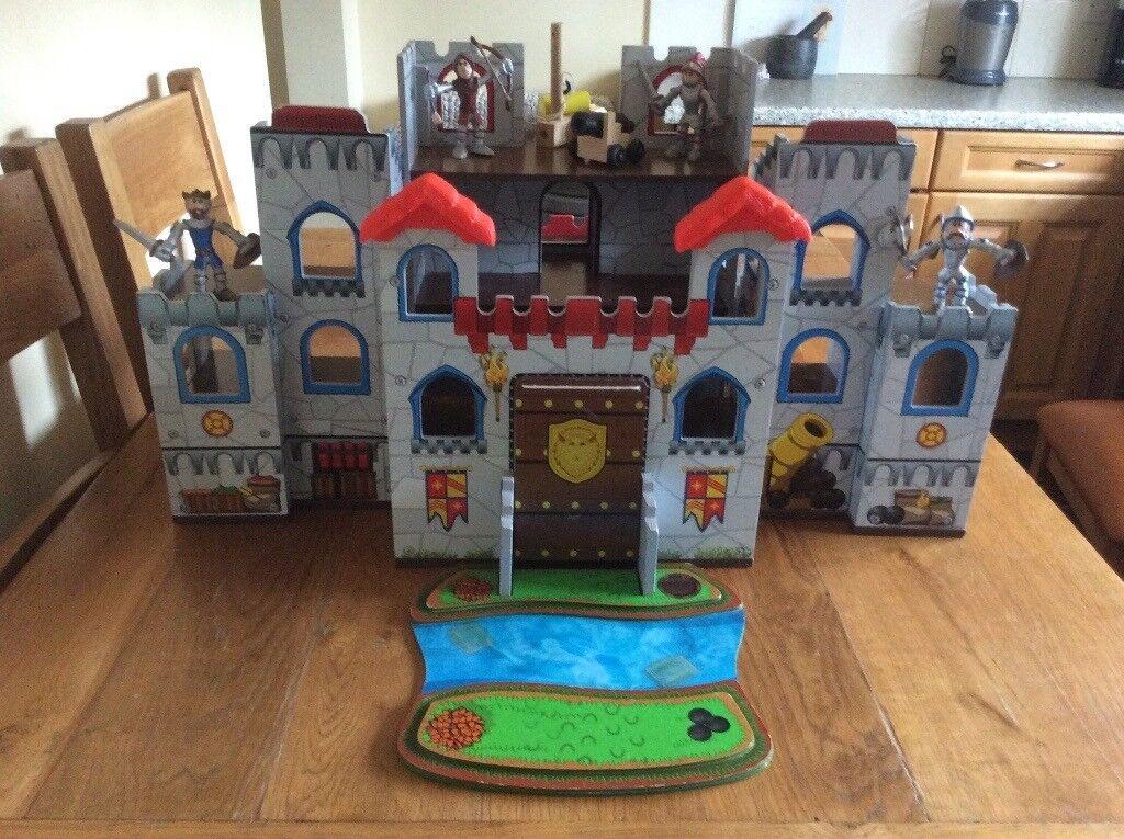Children's/boys wooden toy castle