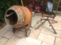 Electric Concrete mixer Cement mixer with swivel/tip stand.
