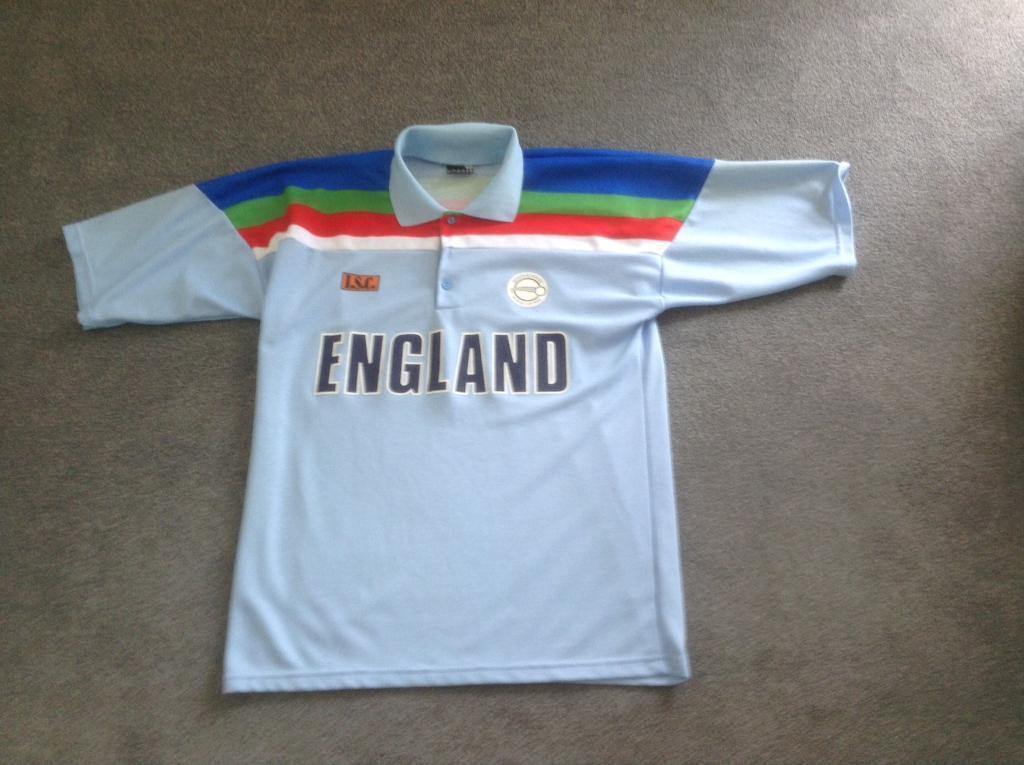 f98426dfd8a A 1992 WORLD CUP ENGLAND CRICKET SHIRT