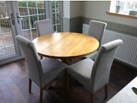 Natural Solid Oak Round Table with Four Chairs