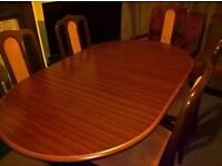 Extendable Dinning table - LOCAL FREE DELIVERY