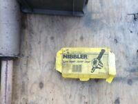 Nibbler sheet metal cutter